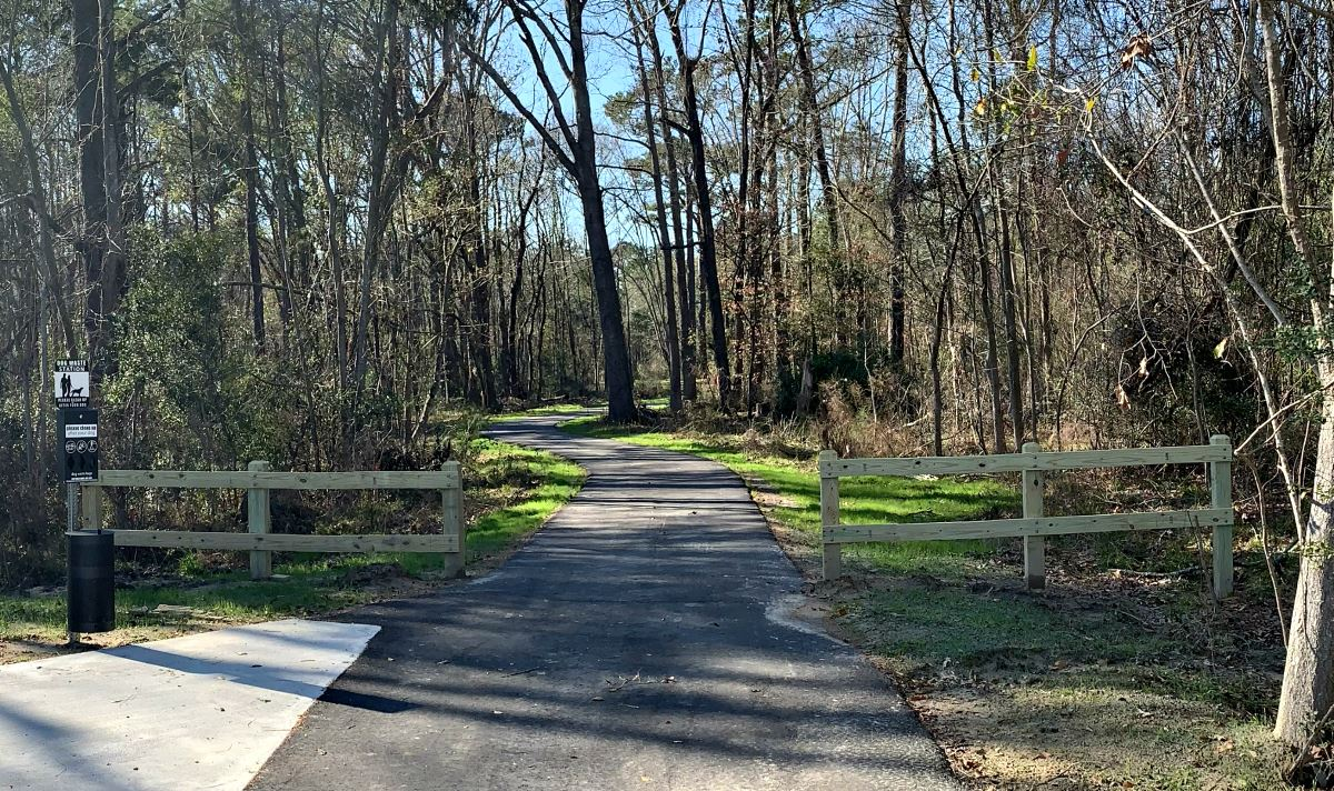 Entrance to the trail at Stono River County Park