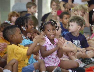 Image of children at the Summer Entertainment Series